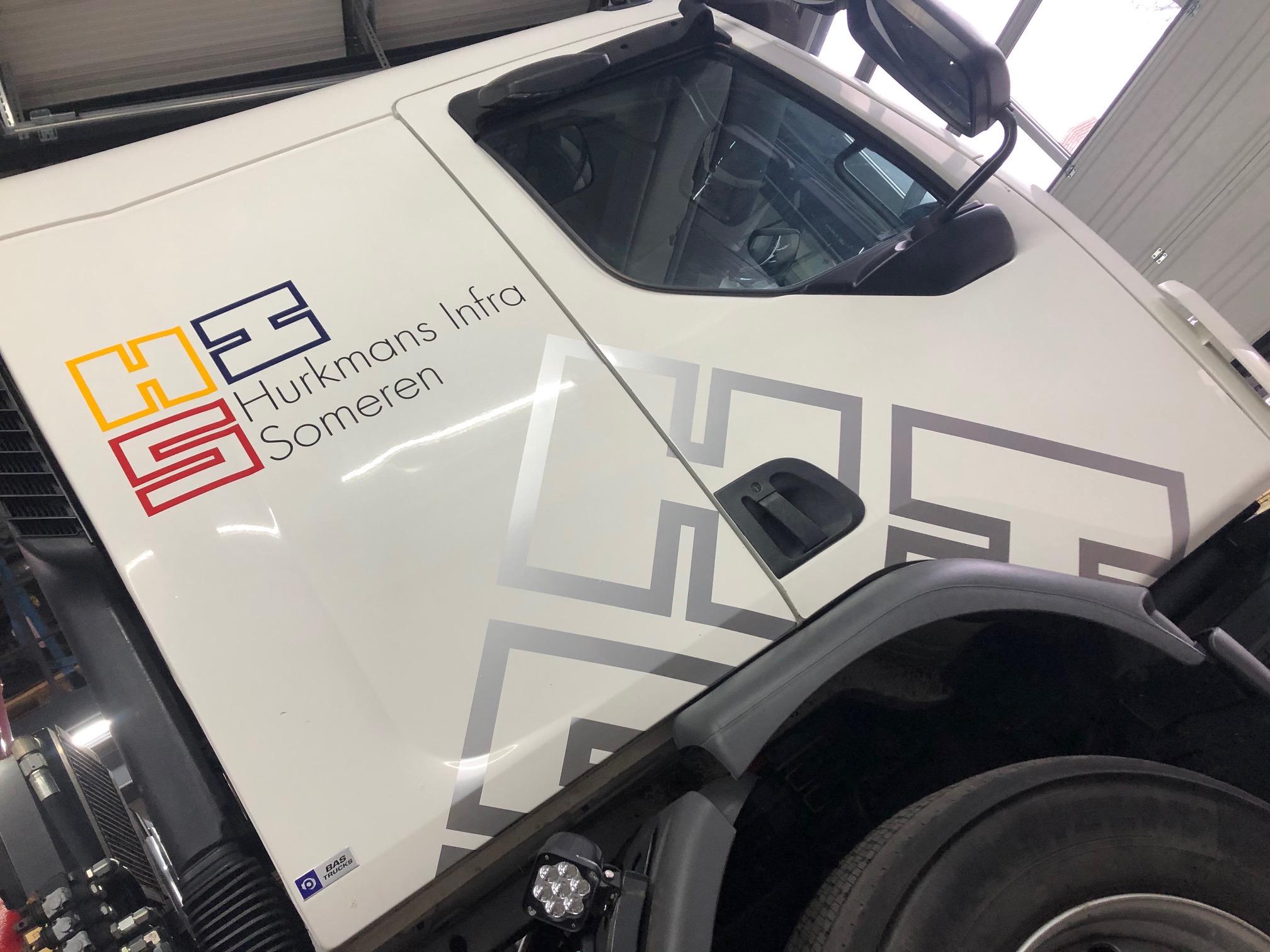 Vrachtwagen belettering Hurkmans Infra Someren